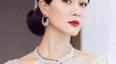 女星穿紧身裙的样子:倪妮身材玲珑有致,而她和林志玲有一拼