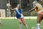 美臀小姐着丁字裤比赛足球 大秀性感身材