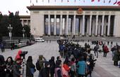海外华人媒体关注中国两会:祖国强大了咱腰板也硬了
