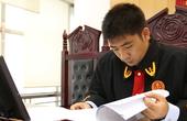 """《时间故事 中国力量》系列之九《85后年轻法官的""""人间大爱""""》"""