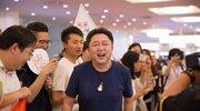 于谦现身东京机场粉丝都是男生:男女都一样