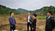 高县人大常委会主任邓志刚到复兴镇调研脱贫攻坚