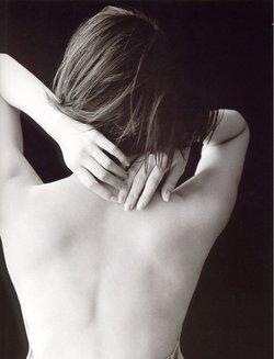 脖子背部按摩手法图解