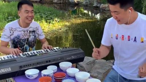 90后小伙自学打碗成顶尖高手,如果有江湖必是丐帮首席音乐人