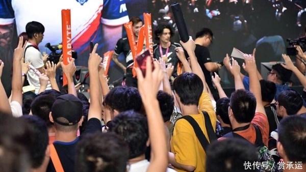 2019Chinajoy技嘉展台人气爆棚K神亮相点燃玩家热情