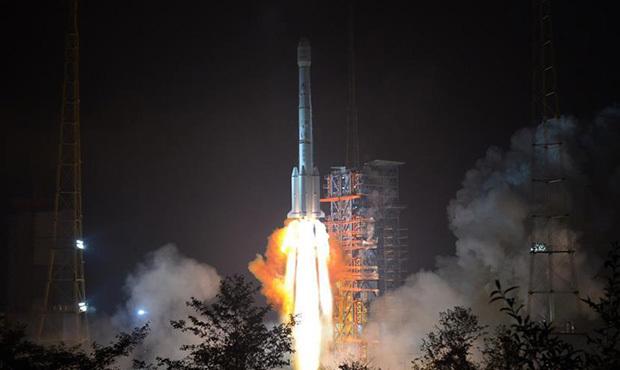 """中国成功发射""""亚太6C""""通信卫星"""
