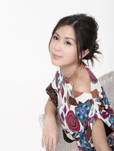 8岁出道后成TVB小花旦,嫁大13岁导演后销声匿迹,如今被爆离婚又上头条
