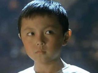9岁搭档李连杰走红,后因学业放弃演戏他是童星中的遗憾!