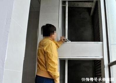 邻居家装空调却要装在自己家,女子拒绝施工,然后就停水停电了