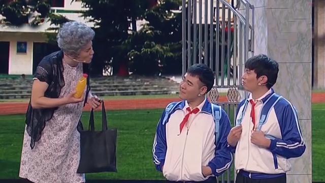 """《每日文娱播报》20170129开心麻花""""拧成""""记"""