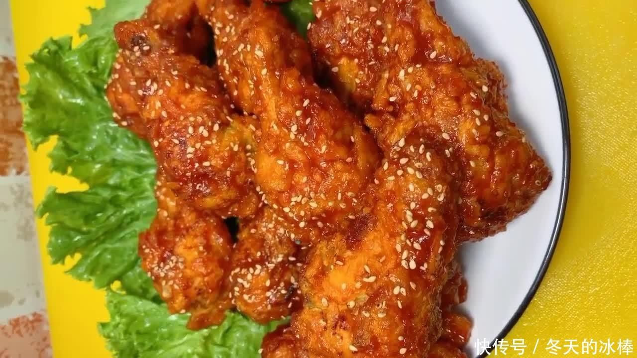 韩式炸鸡的做法,鸡皮透明鸡肉松脆酱料风味独特,和啤酒是绝配!