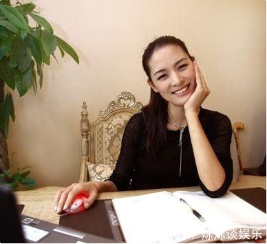 曾被称中国第一美女,嫁大15岁导演却被抛弃,后凭种地获上亿身家!