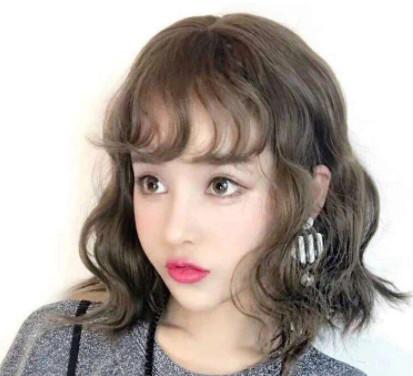圆脸适合什么发型图片女_2018圆脸女发型图片