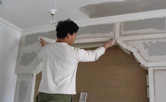 至尊平台因为一般做吊顶也都是找木匠师傅做的