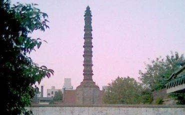 铁塔平面图呈八角形,自下而上