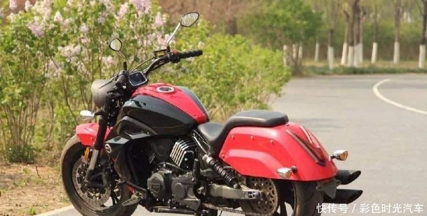 国产第一款大排量摩托车上市,这才是真正的国产摩托车!