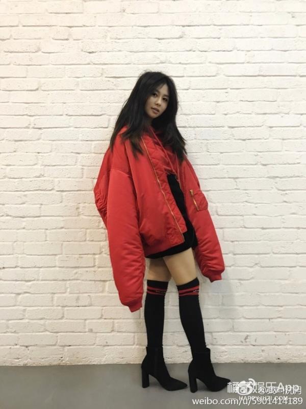 邱淑贞15岁女儿沈月拍广告 这是要进军娱乐圈吗?