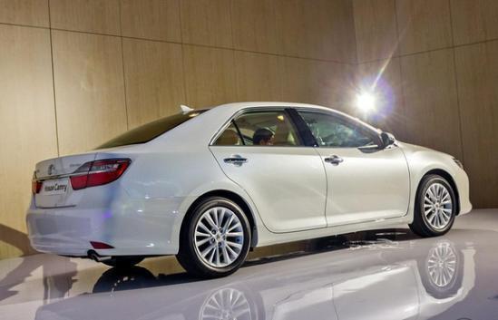 凯美瑞2016新款2.0e精英版最低价现车优惠