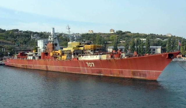 曾经在水里泡烂也不卖中国的巨舰:如今真成破烂要被拆了