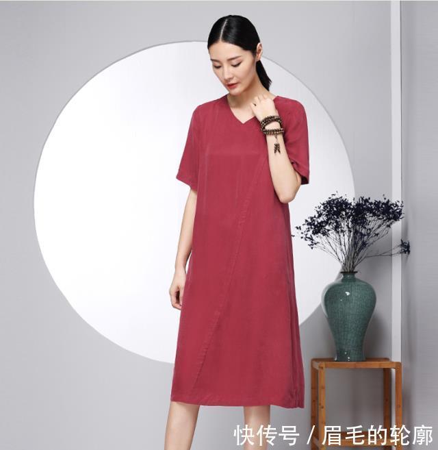 """发现一种美裙,叫""""铜氨丝裙"""",面料轻盈飘逸,女人穿上很仙"""