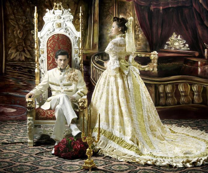 成了新人们必选的拍摄系列,那欧式风格婚纱照需要怎样的背景呢?图片