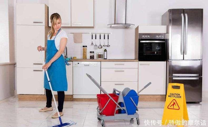 拖地的时候用点这东西,去污快又杀菌,七天不打扫都干干净净