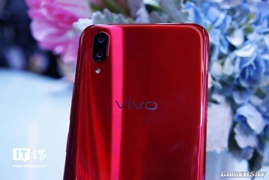 vivo x21手机现场实拍图赏:极窄边框 屏幕指纹解锁
