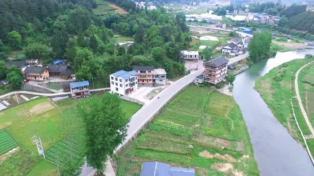农村这么优美,你就不想来生活上一段时间吗,快来贵州旅游吧