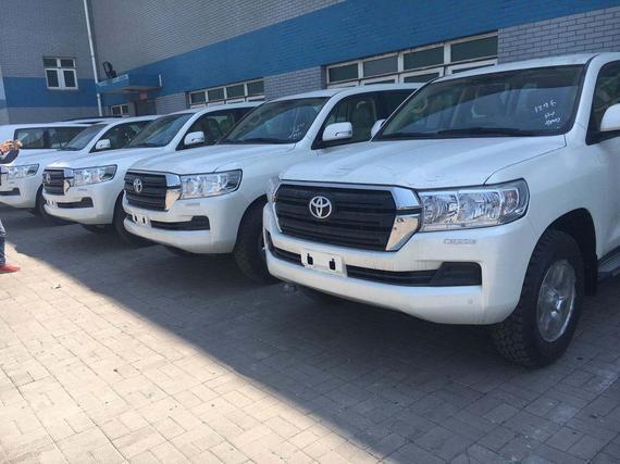 17款丰田酷路泽40000现车最低多少 天津进口最新报价