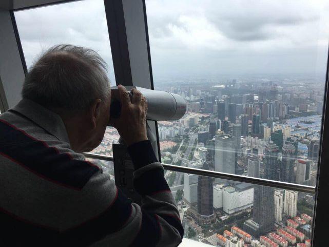 76岁牟其中:复业南德今年开始