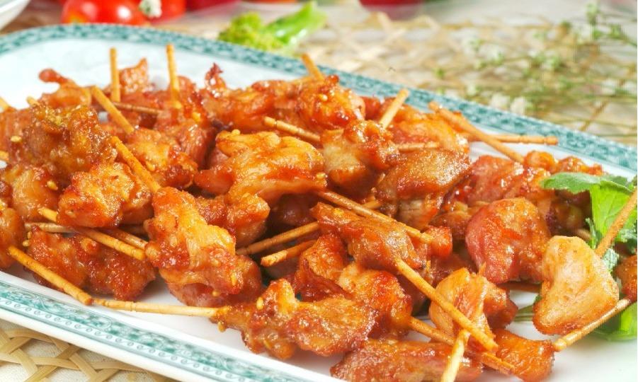 美食推荐:外焦里嫩的牙签肉 吃了就上瘾