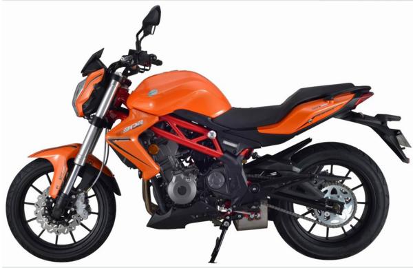 钱江600摩托车视频_高清中国预备役部队嘉陵JH600BJ型三轮摩托