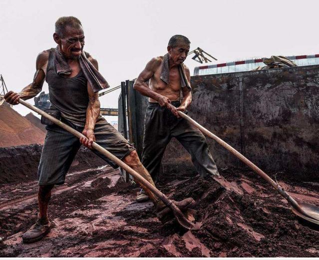 最心酸的农民工照片,他们的钱挣得有多么不容易,感动许多人 - 回归自然 - 回归自然