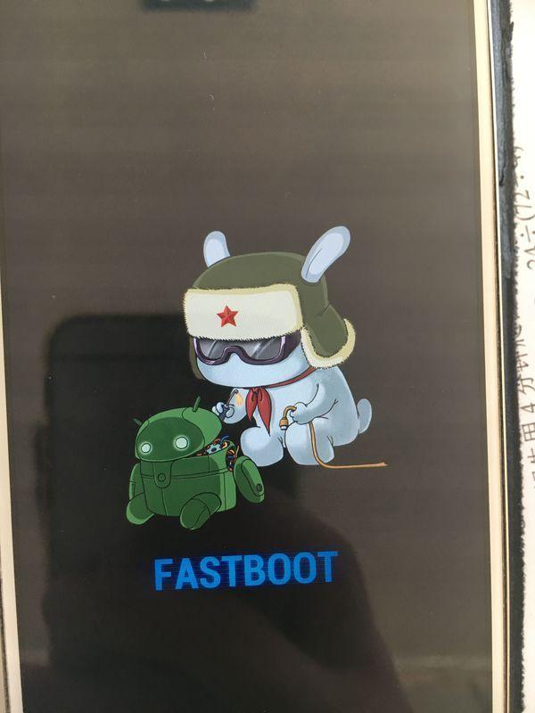 小米手机开不了机,一直呈现mi状,fastboot怎么