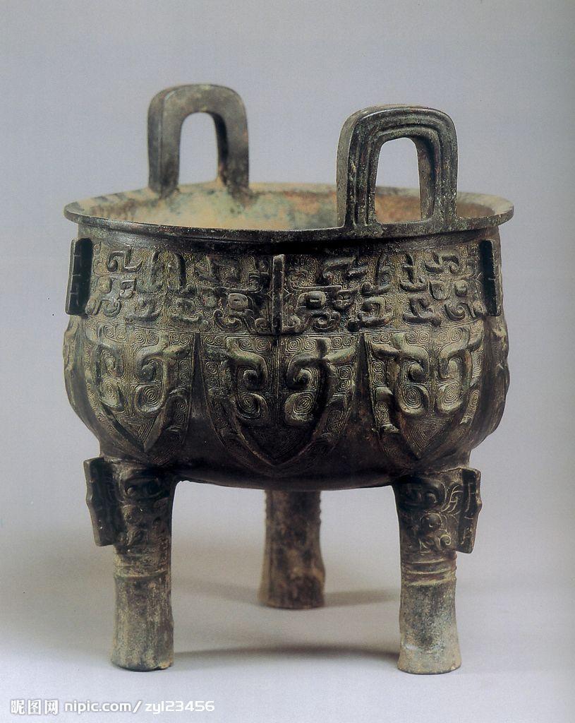 青铜鼎摄影图_古代收藏品