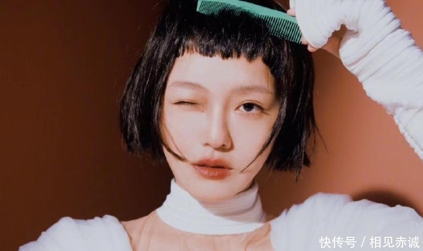 大S挑战狗啃刘海,简直是少女本身,丝毫看不出真实年龄!