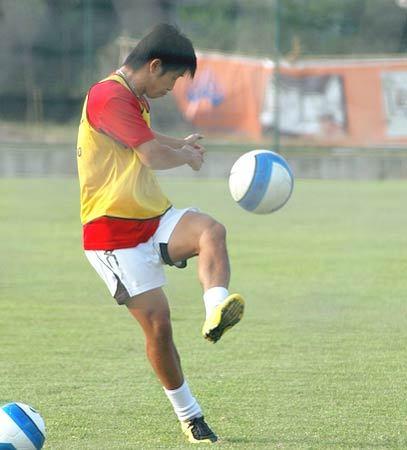 弧线球原理和踢法