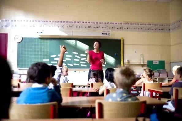 老师当着全班取笑一个学生,但看了他档案后震惊了… - 真光 - 真光 的博客