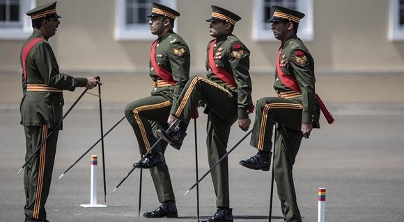 英国举行国际步姿大赛 多国军人同台竞技