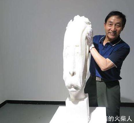 """被脑洞大开的艺术家玩坏的雕像,随意就能""""身首分离"""""""