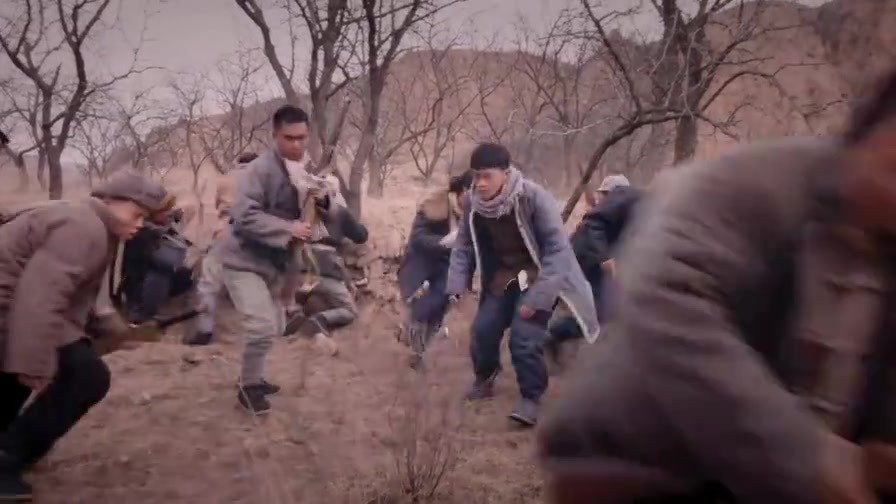 区小队:刘大强掩护队伍,怎料意外发现鬼子,竟有几百人