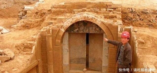 <b>江苏老汉发现古墓,古墓主人来头不小,专家终于找到了</b>