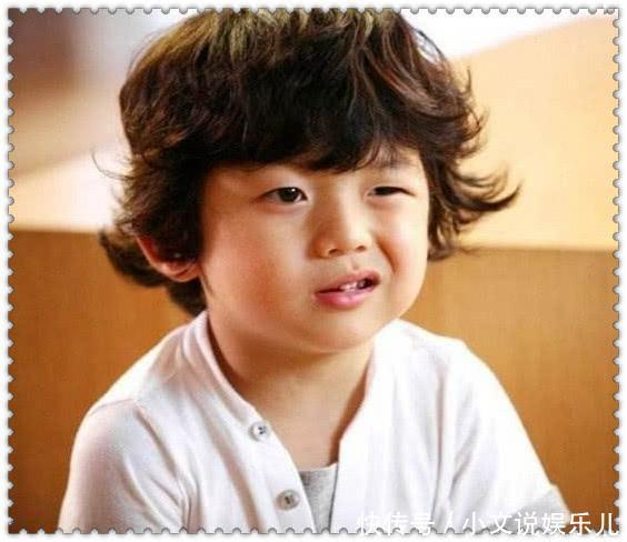 他六岁以表情迅速走红,现在已经16岁的他,却带头像大全图片搞笑文字可爱的qq图片