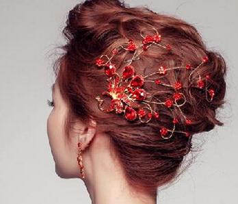 红色头发与发饰的短发最搭配_360v红色子尤颜色图片