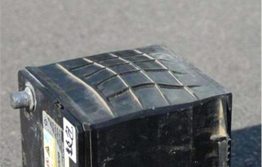 汽车蓄电池失效前7大征兆 不懂就等救援吧
