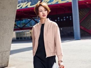 她和鹿晗撞脸,和吴亦凡撞眼,却被成龙说长得丑,灵动俏丽很时尚
