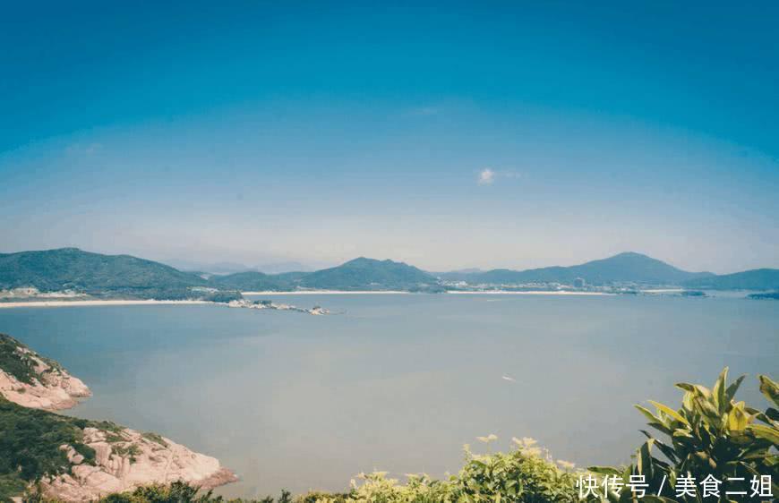 旅游 正文  朱家尖是国家级名胜风景区,它位于舟山群岛的东南部和普陀