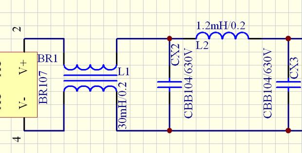 一安全电压的电路中,这两个电容所储存的电量相同吗?