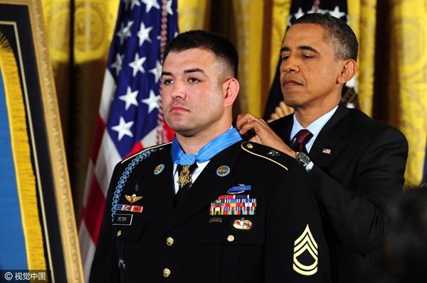 奥巴马最后的疯狂 国家勋章已发到手软 - 海 月 - 宁 静 致 远