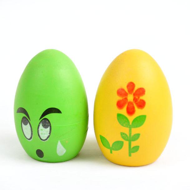 怎么画鸡蛋(在鸡蛋上画,用水彩笔画)